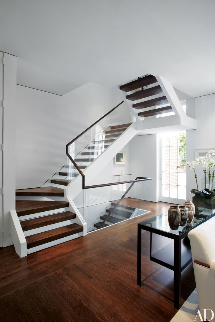 1000 Ideas About Modern Staircase On Pinterest Modern Stairs Staircase Design And Floating