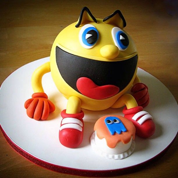 This Pac Man Cake Is Awesome Such Amazingly Clean And
