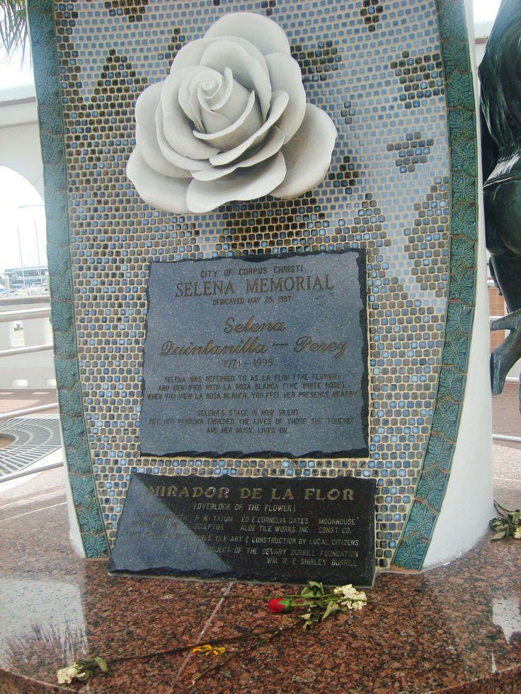 Selena memorial in Corpus Christi (wordless Wednesday