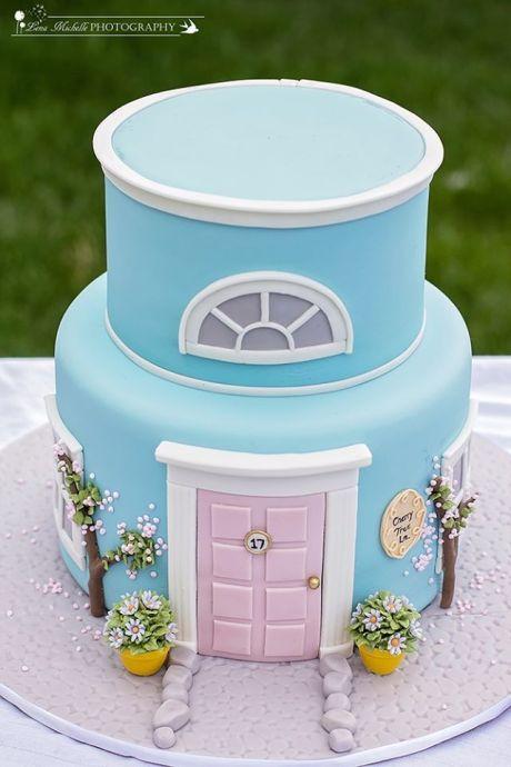 House cake via Pinterest