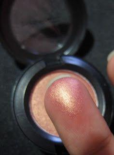 MAC Eye shadow – Expensive Pink