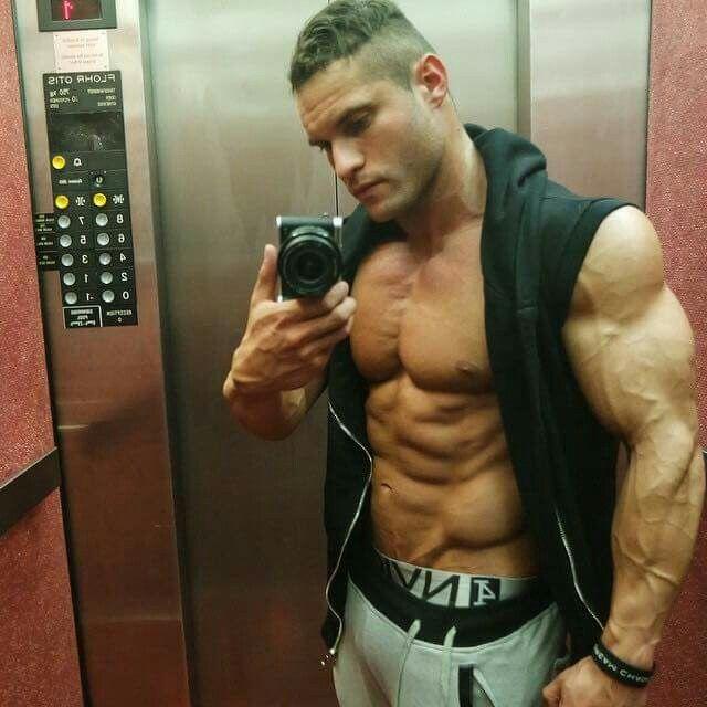 TAVI CASTRO Bodybuilding Pinterest