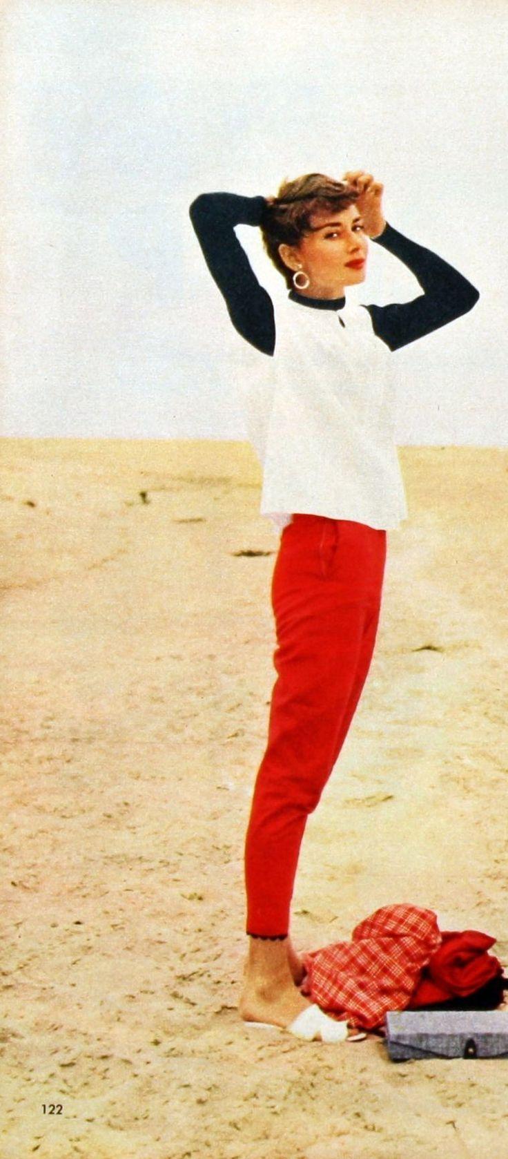 Audrey Hepburn 4U // ╬Street Fashion╬ Pinterest