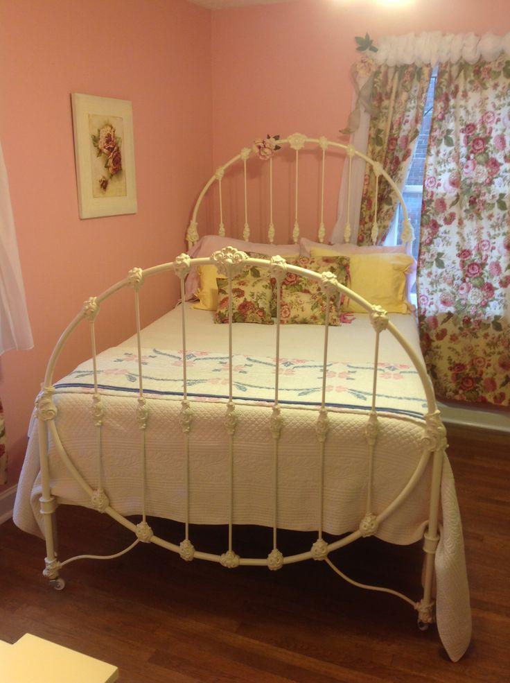 Best 25 Antique Iron Beds Ideas On Pinterest Antique