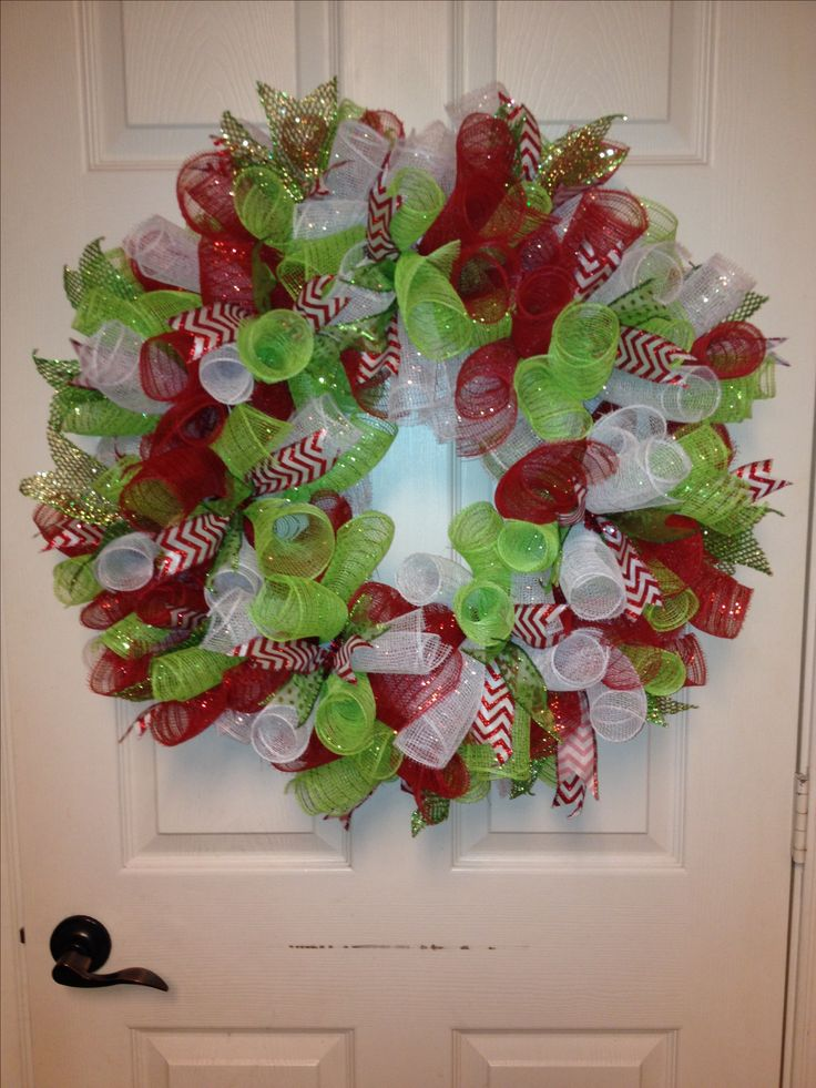 Curly mesh wreath christmas Pinterest Christmas mesh