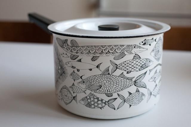 Neptun enamel pot with fish motif by Esteri Tomula for