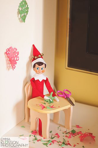 THE ELF ON THE SHELF~Elf makes paper snowflakes: