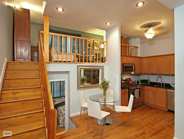 Apartment Bright And Fantastically Located Split Level