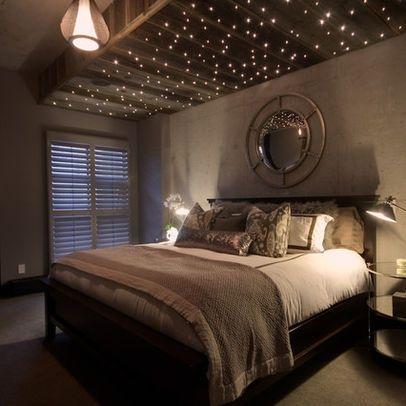 bedroom. I am obsessed with this lights-on-the-ceiling idea! Definitely having this.
