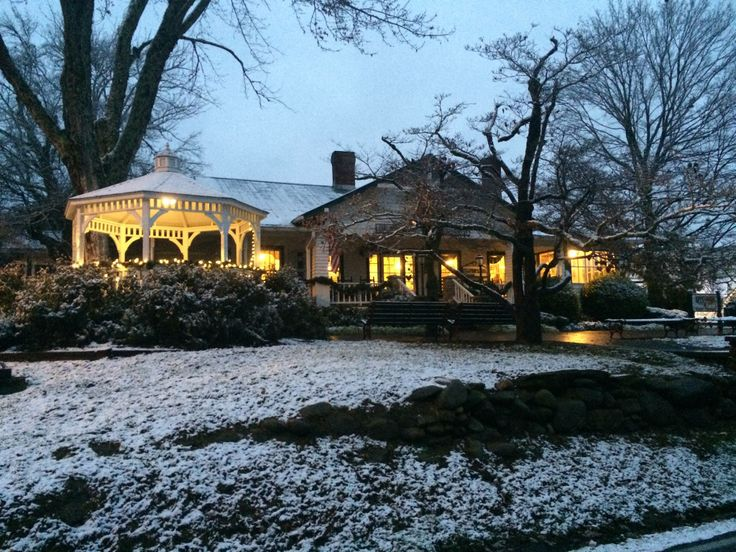 Beautiful Snow At Applewood Farmhouse Restaurant In Sevierville Tennessee Comfort Food