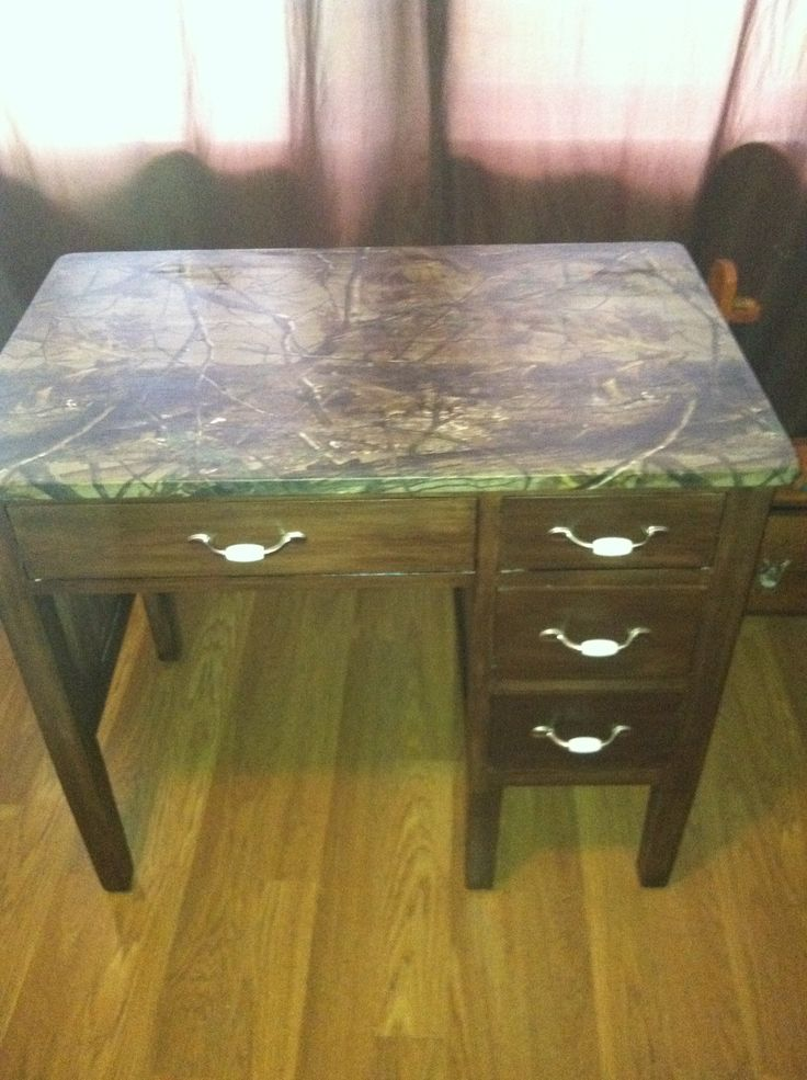 Diy Decoupage Desk Real Tree Camo Fabric On The Top And