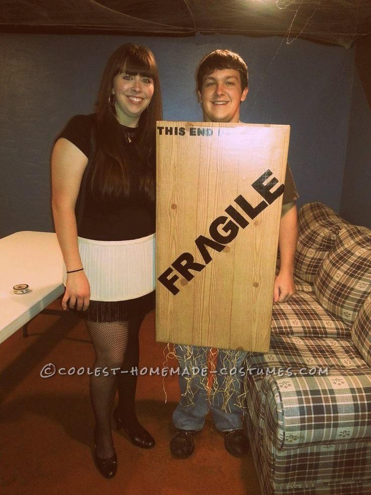 A Christmas Story Leg Lamp and Fragile Crate Couple
