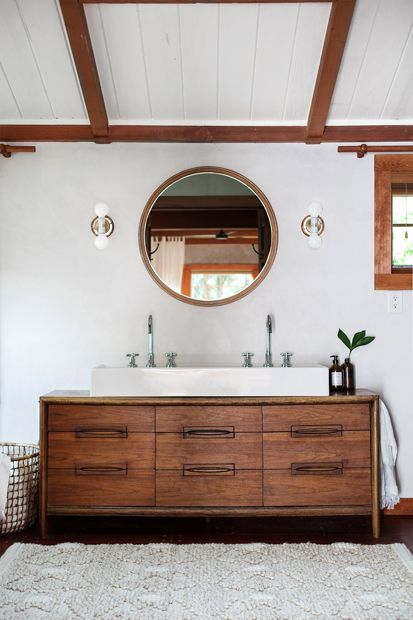 rustic farmhouse bathroom: