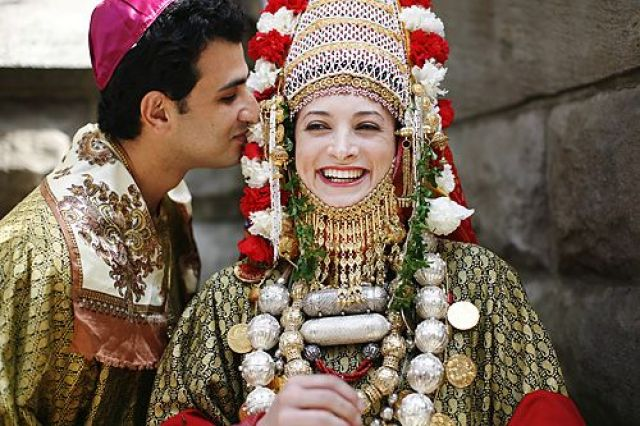 25 Amazing Wedding Traditions From Around The World: 14 Amazing Bridal Looks From Around The World
