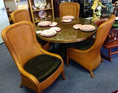 Your Ideal Gulf Coast Dining Room Tommy Bahama Round Table With Pineapple Base And 48 Caned