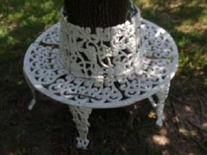 Vintage Victorian Style Heavy Cast Iron Circular Tree