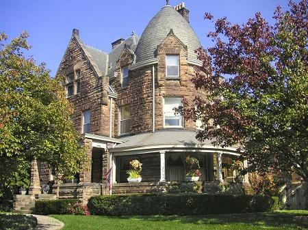 1890 Richardsonian Romanesque in Cincinnati, Ohio Old