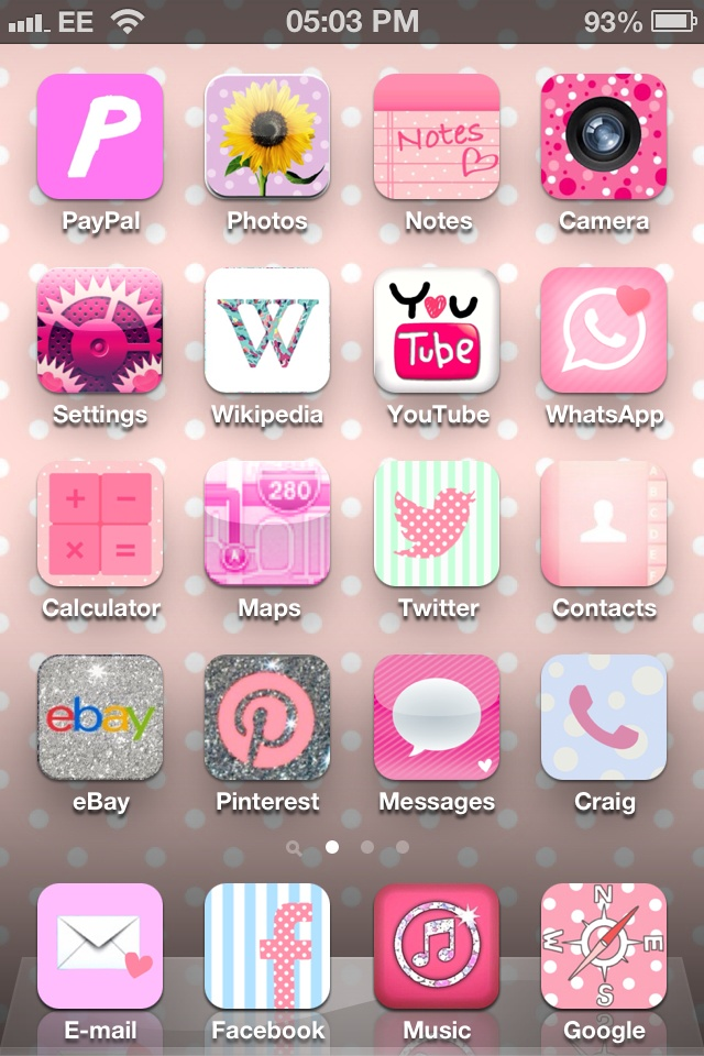 My iPhone home screen after I discovered cocoppa