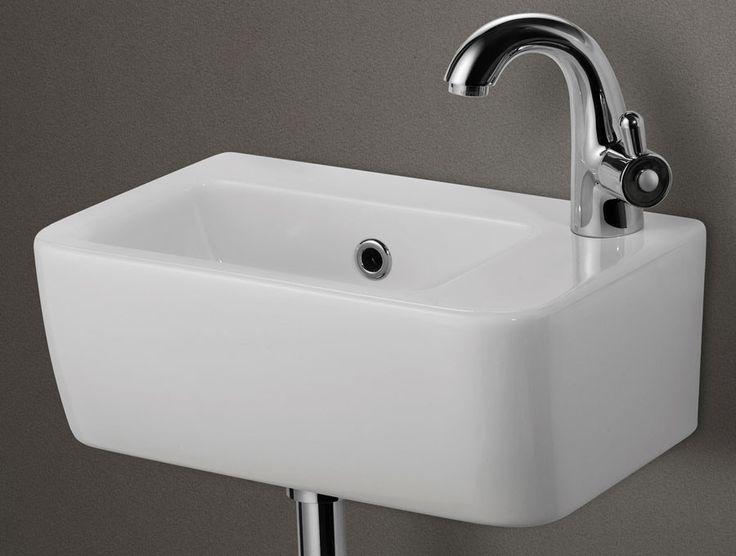 Best 20+ Small Bathroom Layout Ideas On Pinterest