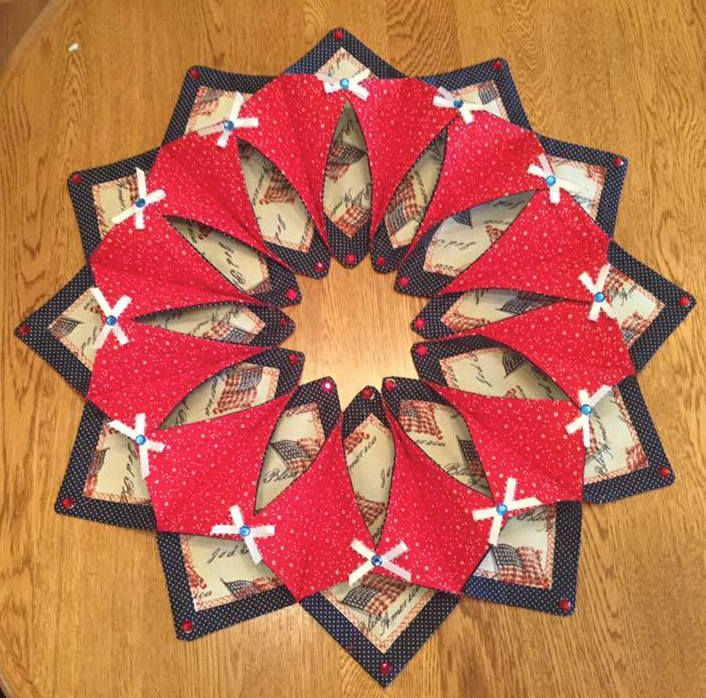 1000 Images About Fold And Stitch Wreath On Pinterest