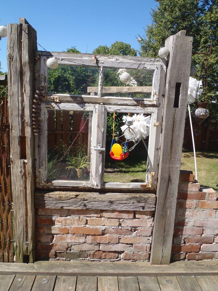 altes Fenster zwischen alten Balken Garten Ideen Pinterest