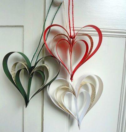 Enfeites de papel reciclado na decoração ecológica de festas e Natal: