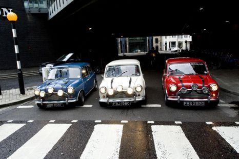 Mini Coopers From 1969s The Italian Job Go On Show The