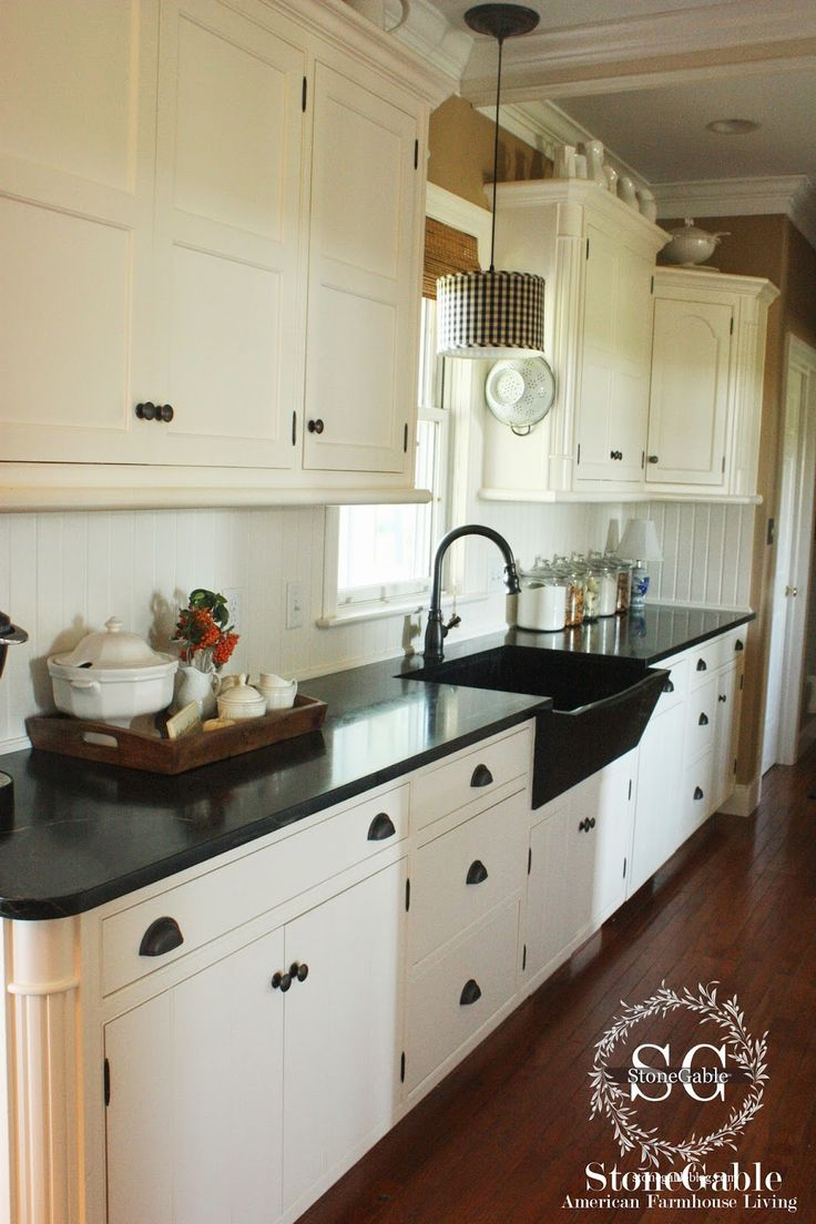 10 ELEMENTS OF A FARMHOUSE KITCHEN Soapstone,