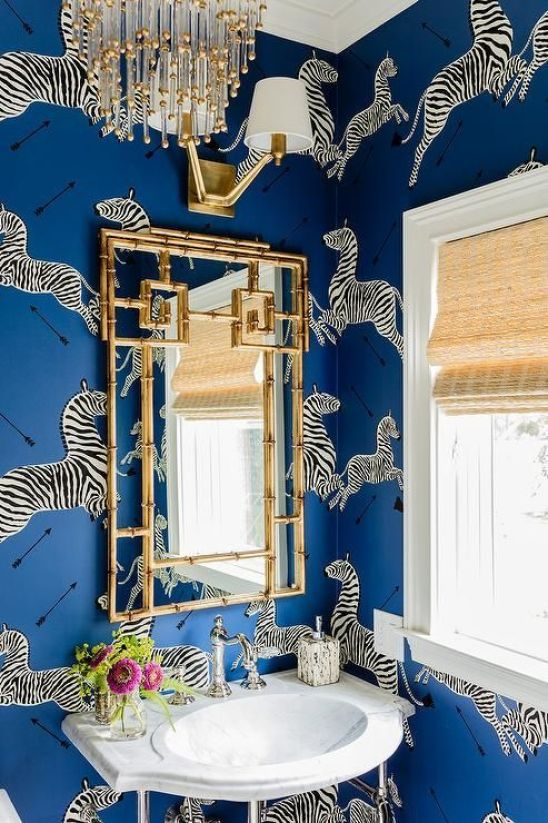 The Blue and White Chinoiserie Bath: