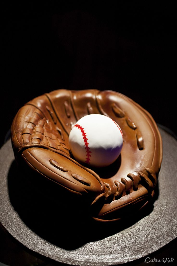 17 Best Ideas About Baseball Grooms Cake On Pinterest