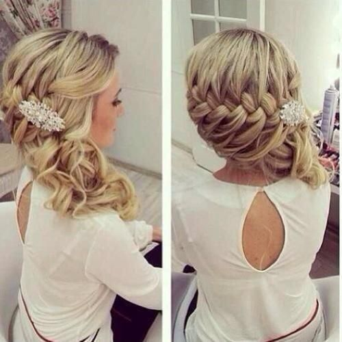 Nothing turns heads on prom night than a great hairstyle. This year prom hairstyles are all about Bounce, Braids, Buns and Backcombing. Take a