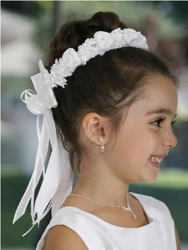 14 Best Images About Flower Girl Hair On Pinterest Lady