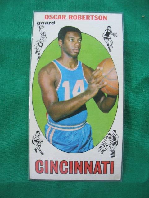 Oscar Robertson 1969/1970 Topps Basketball Lg Card 1969
