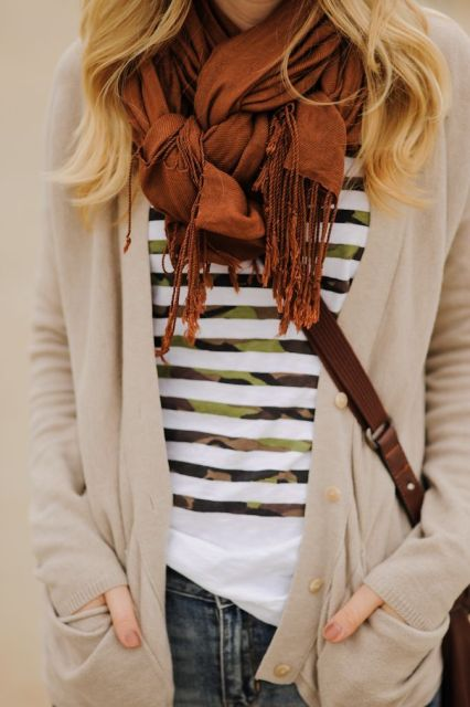 Knotted scarf