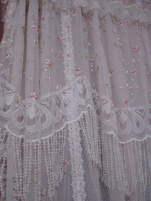1000 Ideas About Victorian Curtains On Pinterest Victorian Decor Bohemian Curtains And