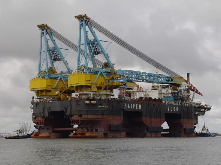 Saipem 7000 one of the world's largest semisubmersible