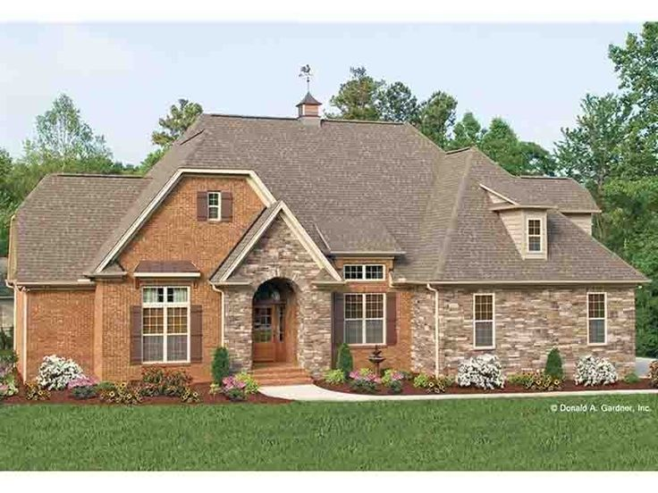 English Cottage House Plan With 1583 Square Feet And 3