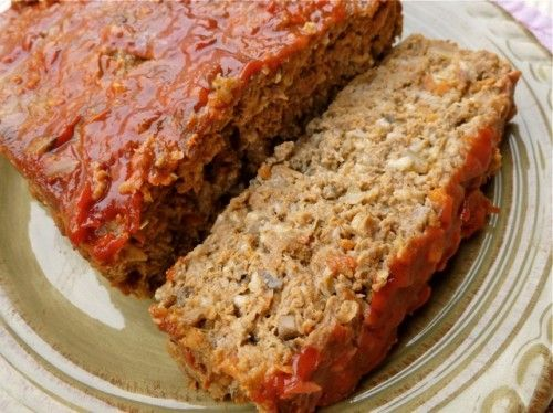 Weight Watchers Meatloaf – 6 Points+ for 2 slices!  -YUM.  Made double this recipe.  One loaf for my fam of 6, the other loaf