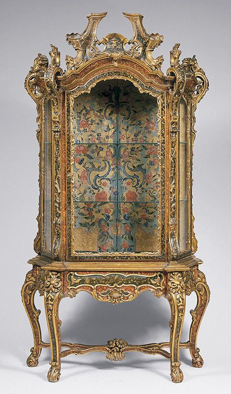 Rococo Cabinet The Heavy Embellishment And Gold Almost