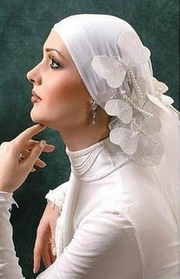 17 Best Images About Ideas For A Bald Bride On Pinterest