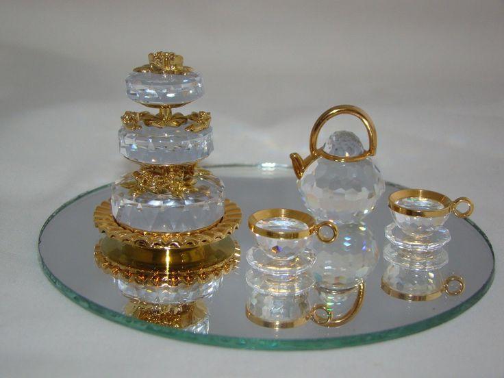 Swarovski Crystal Memories Retired Miniature Wedding Cake