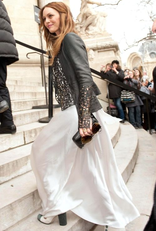 Vanessa Paradis In A Chanel Flowing Dress And Laser Cut