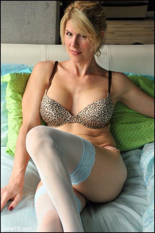 Catch KoreanBarbieDoll on Webcam : Online Live Sex | Pornhub