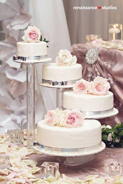 Split Tier Wedding Cake Simply Beautiful Weddings