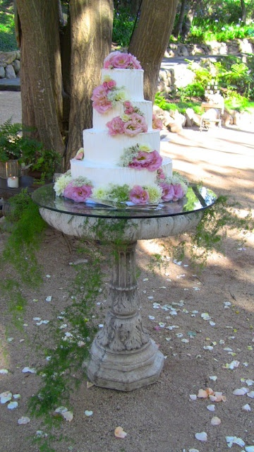 119 Best Images About Wedding Cake Stand On Pinterest Wedding Gold Cake Stand And Crystal Wedding
