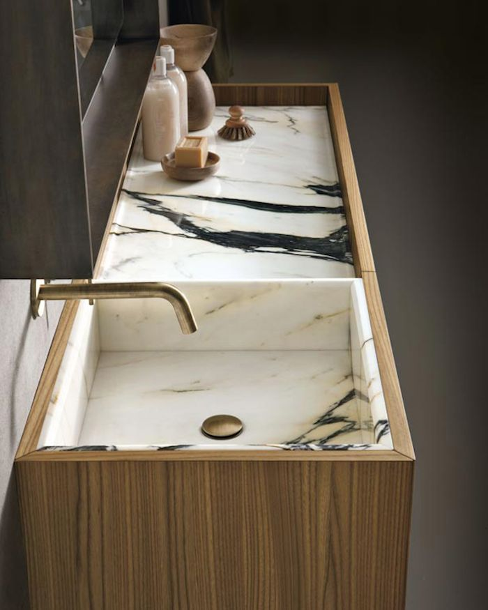 Beyond Carrara: 12 Splashy Marble Baths : Remodelista
