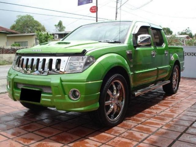 Pretty! Nissan Navara for sale in Trinidad 4x4