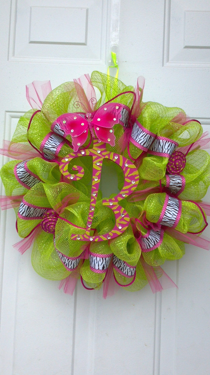 "DIY deco mesh wreath. ""B"" by Tonia crafts etc Pinterest"