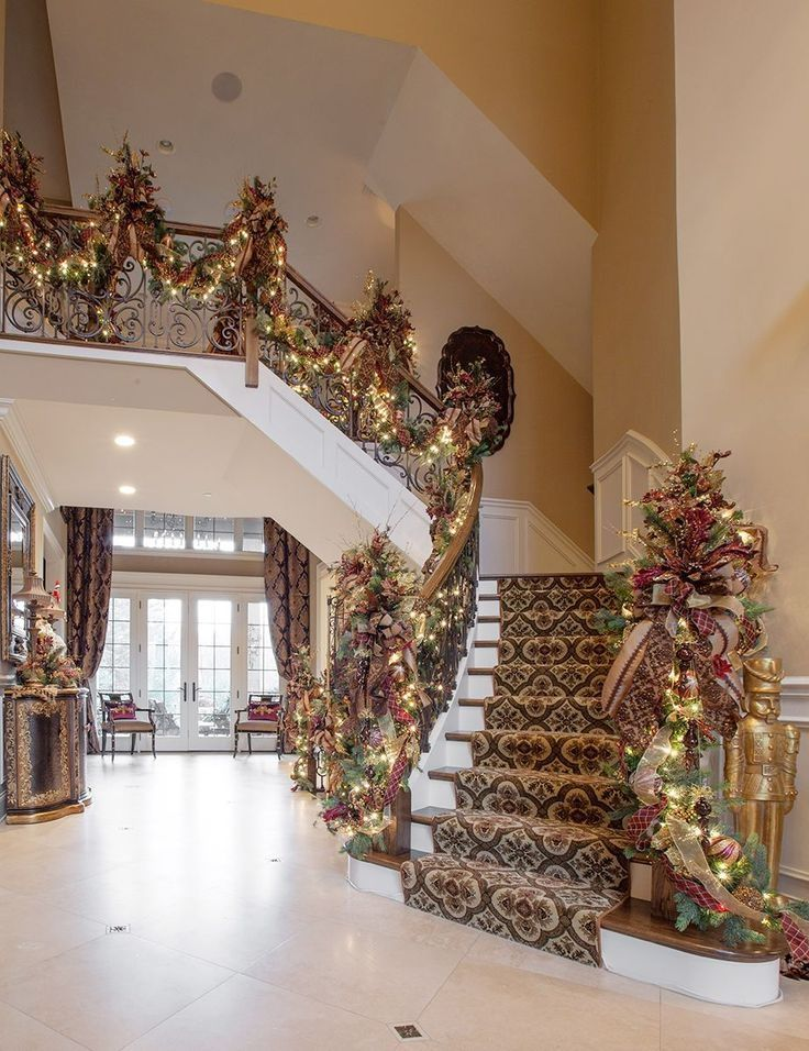 50 Stunning Christmas Staircase Decorating Ideas Foyers