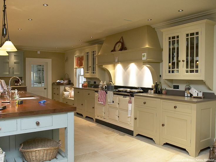 Chalon Style Kitchen By Hayburn Wood Products At Ian